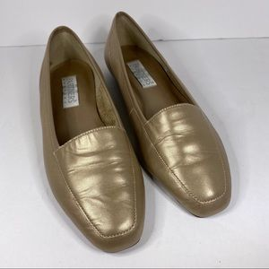 Partners for Mervyns tan/gold loafers Size 7M